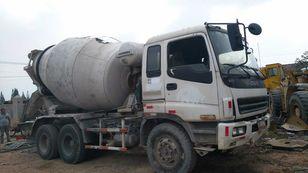 شاحنة خلط الخرسانة ISUZU CXZ81K