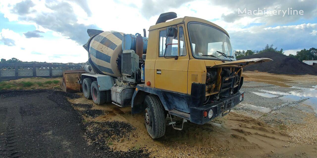 شاحنة خلط الخرسانة TATRA