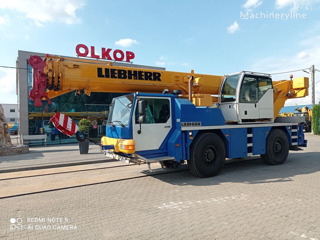 شاحنة رافعة LIEBHERR LTM 1040-2.1