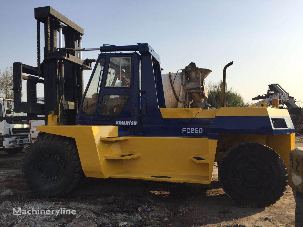 رافعة شوكية متنقلة KOMATSU 25 ton FD250T Komatsu used forklift